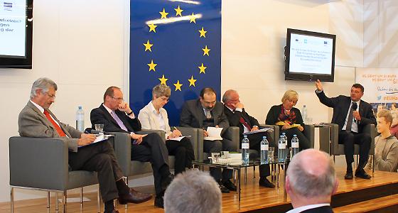 Europapolitik - Demokratie, Dialog, Steuerreform