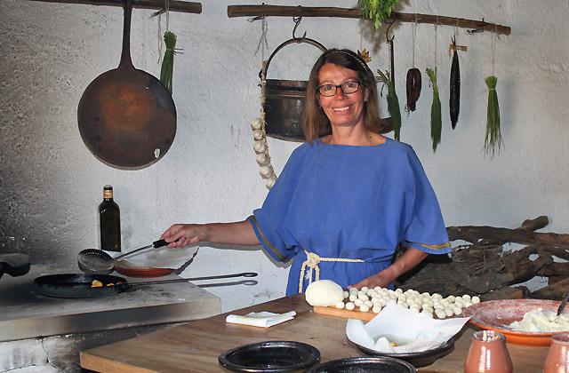 Römische Küche: Snacks in der Antike - mit Honig oder Nüssen, hausgemacht.