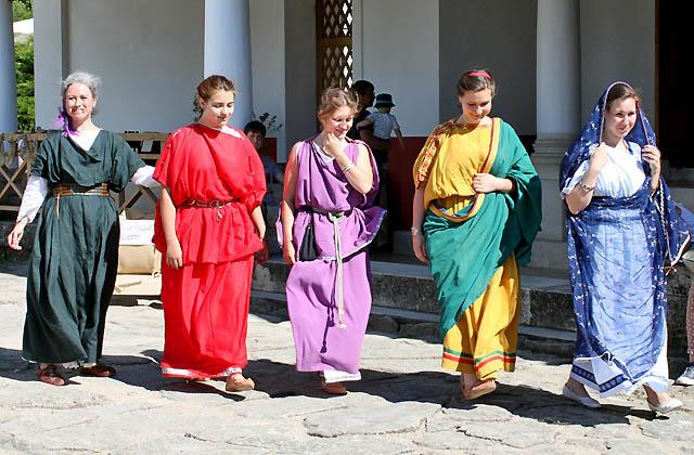 Römische Modenschau - Carnuntum: Mode in der Antike
