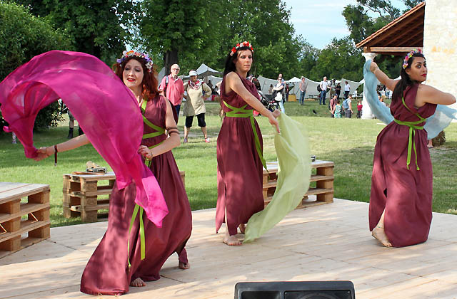 Römische Tänzerinnen beim Römerfestival 2017 / Carnuntum