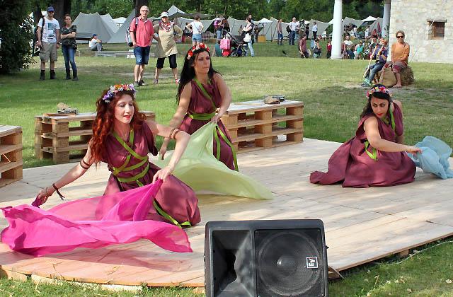 Römische Tänzerinnen in Carnuntum