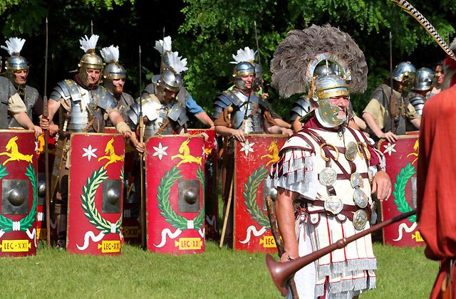 Carnuntum / Römerfestival: Legionäre beim Morgenappell