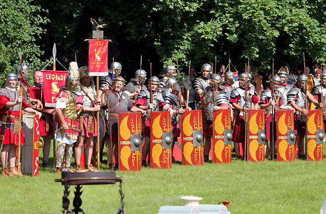 Morgenappell der Römischen Legion beim Römerfestival / Carnuntum