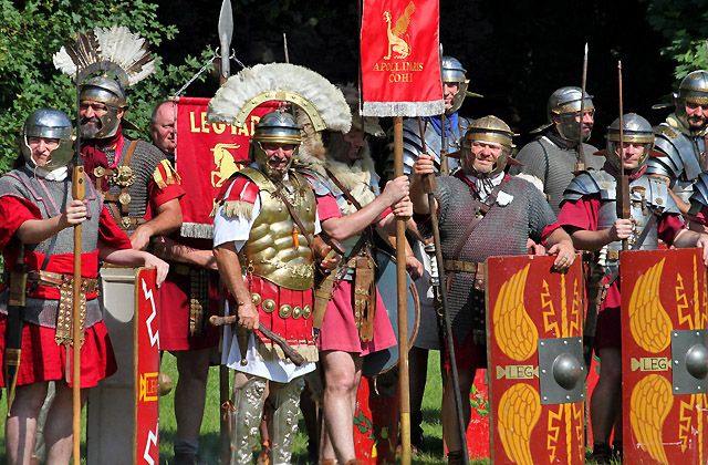In voller Pracht: Römische Soldaten beim Morgenappell