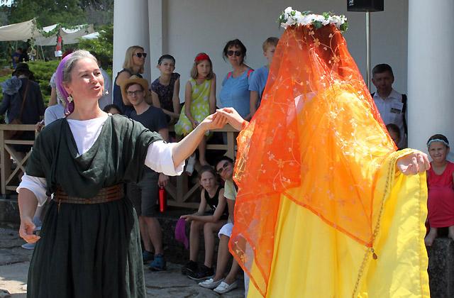 Die Braut im Brautkleid - Modeschau, Römerfestival 2018, Carnuntum