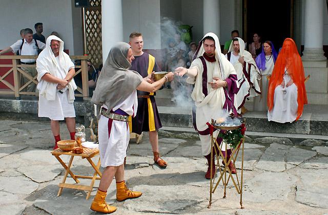 Zeremonie zur Hochzeit - Opferritual - Carnuntum