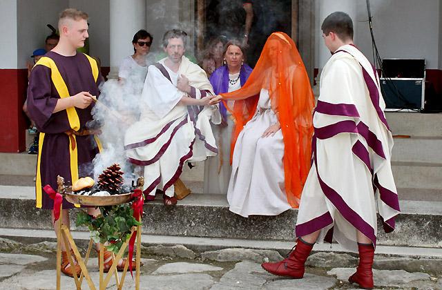 Römische Hochzeit - Opfergaben - Römerfestival Carnuntum 2018