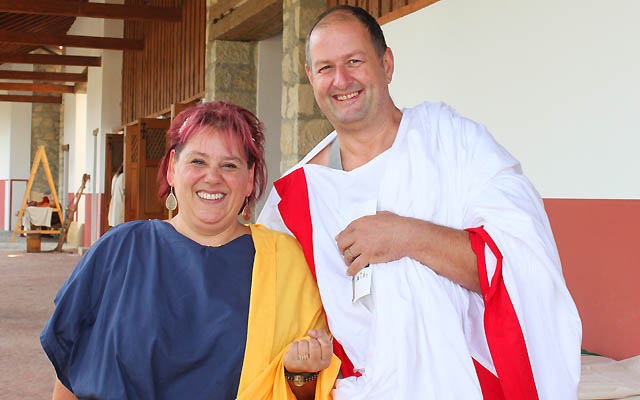 Römisches Ehepaar in eleganter Kleidung.