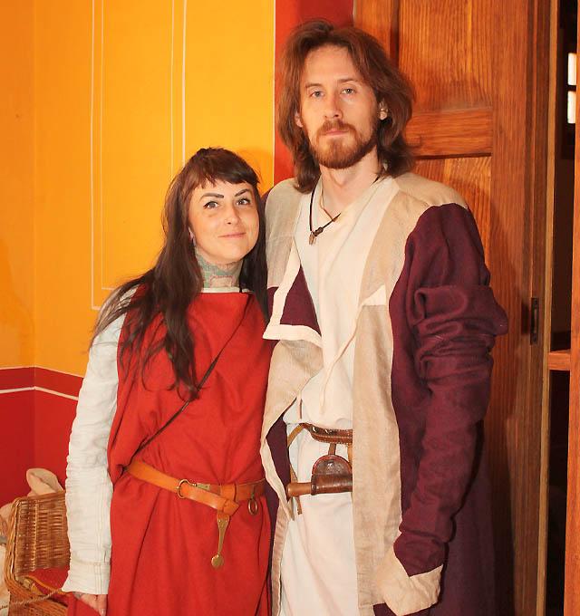 Ein glücklich wirkendes römisches Paar
