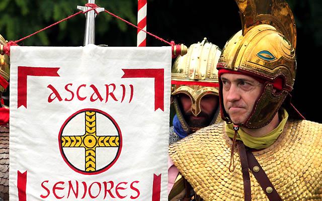 Ein Legionär am Römerfestival