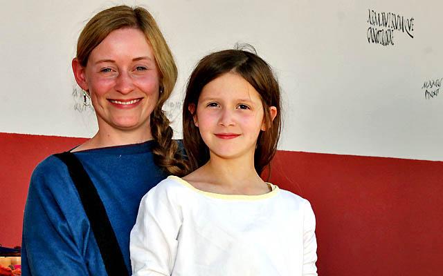 Zwei junge Römerinnen
