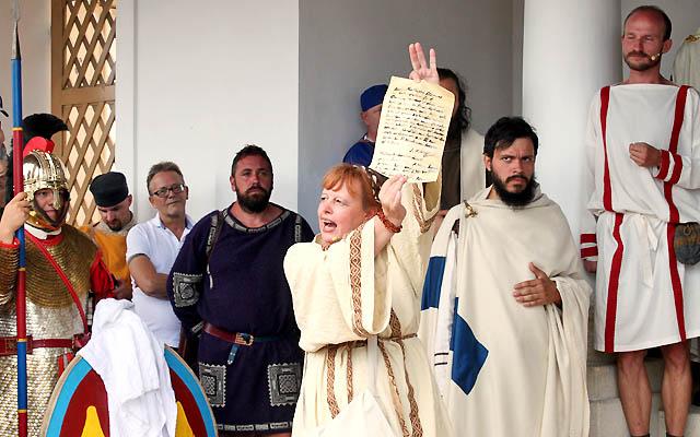 Szene aus Carnuntum 333 - Römisches Gericht