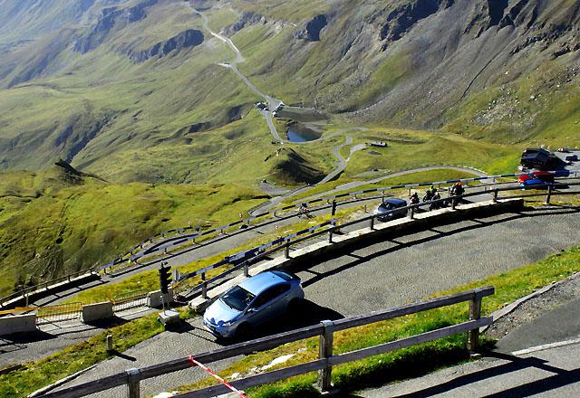 Kehren der Edelweiss-Spitze: Bergfahren extrem!