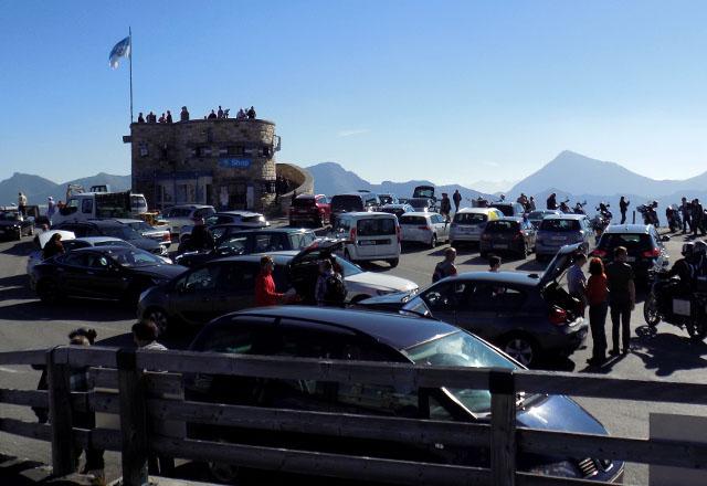 Edelweiss-Spitze: Panoramaplattform mit Panoramablick auf die Bergwelt der österreichischen Alpen