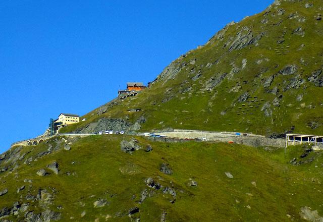 Grossglockner Hochalpenstrasse: Lawinenverbau am Weg zur Kaiser Franz Josefs Höhe