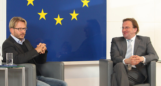 Serge Falck & Benedikt Weingartner in Europa : DIALOG
