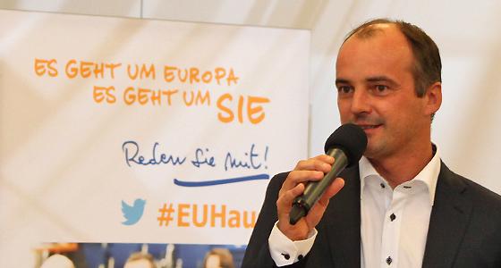 G. Pfeifer - Mitarbeiter der Europäischen Kommission Wien / Presse