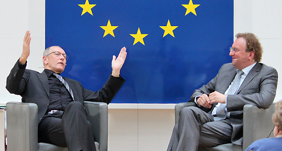 Konrad Paul Liessmann & Benedikt Weingartner in Europa : DIALOG