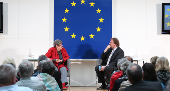 Rotraud Perner und Benedikt Weingartner in Europa : DIALOG