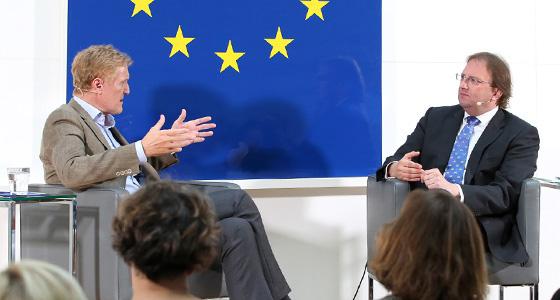 Europa : DIALOG: K.A.Schröder und Benedikt Weingartner