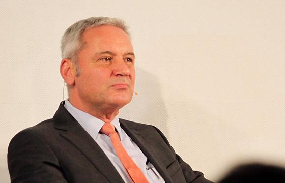 Peter Fritz - ORF Journalist in Europa : DIALOG über die Ärea Juncker