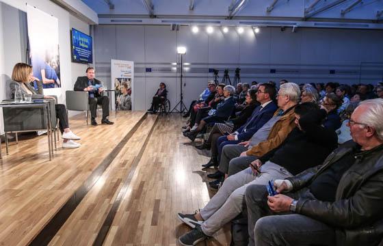 Europa : DIALOG mit Gamon & Weingartner
