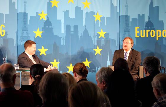 Martin Selmayr und Benedikt Weingartner in Europa : DIALOG