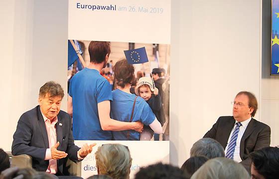 werner Kogler zu Gast bei Benedikt Weingartner in Europa : DIALOG im Haus der EU, Wien