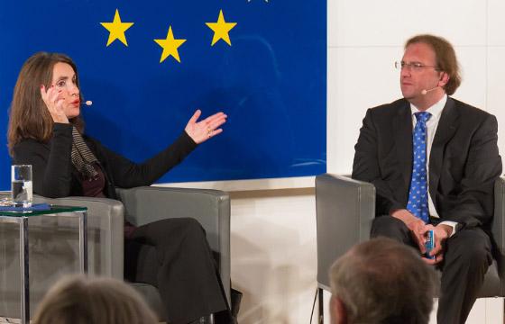 Mathilde Schwabeneder & Benedikt Weingartner in Europa : DIALOG