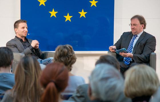 Tim Cupal & Benedikt Weingartner in Europa : DIALOG