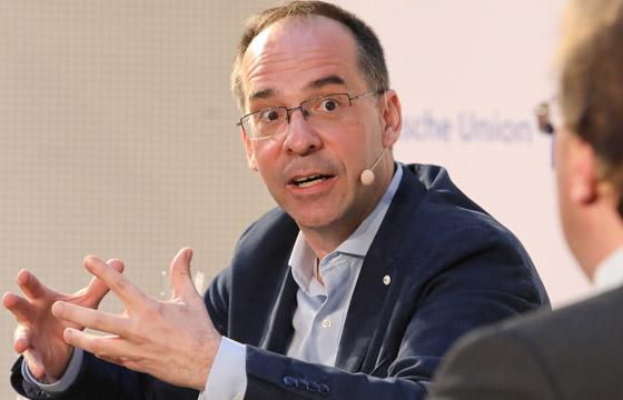 Jörg Winter zu Gast in Europa : DIALOG