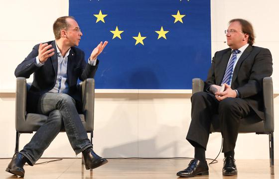 Jörg Winter und Benedikt Weingartner in Europa : DIALOG