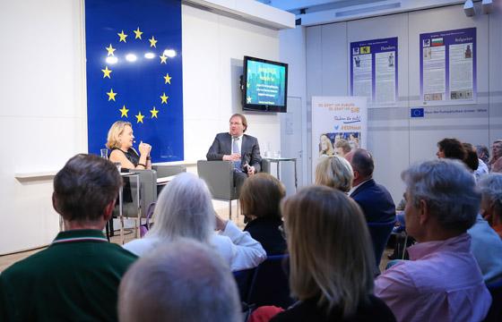 Hannelore Veit & Benedikt Weingartner in Europa : DIALOG