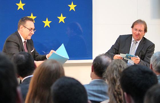 H.C. Strache & Benedikt Weingartner in Europa : DIALOG im Haus der EU, Wien