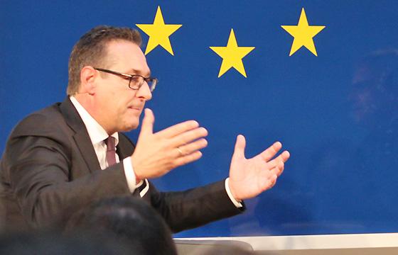 H.C. Strache, FPÖ-Politiker: Vizekanzler, Bundesminister für öfffentlichen Dienst und Sport
