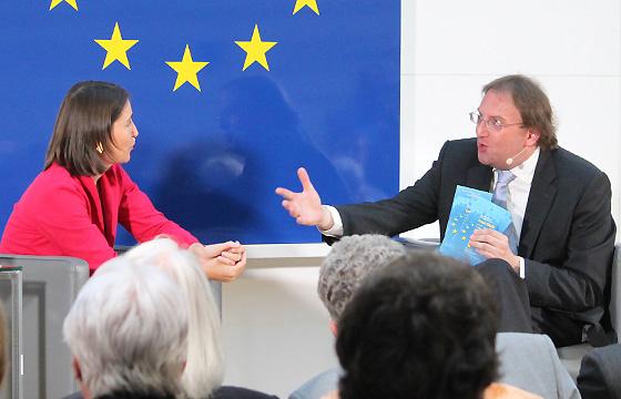 Alexandra Föderl-Schmid & Benedikt Weingartner in Europa : DIALOG