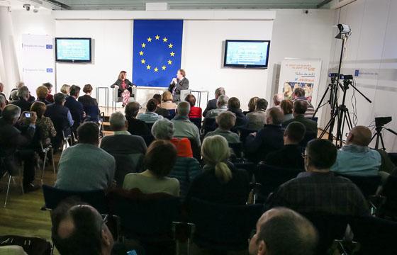 Europa im DIALOG mit Esther Mitterstieler und Benedikt Weingartner