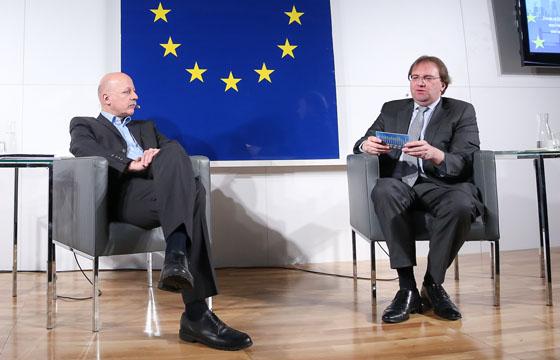 Christian Nusser und Benedikt Weingartner in Europa : DIALOG