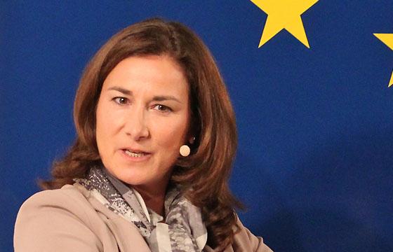 Birgit Schwarz im Haus der EU in Europa : DIALOG