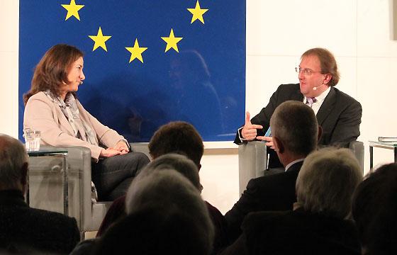 Birgit Schwarz - Benedikt Weingartner in Europa : DIALOG im Haus der EU, Wien