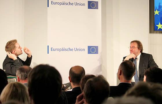 Max Schrems und Benedikt Weingartner in Europa : DIALOG