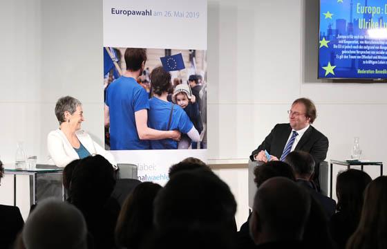 Ulrike Lunacek und Benedikt Weingartner in Europa : DIALOG