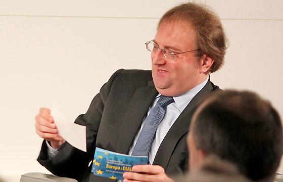 Benedikt Weingartner in Europa : DIALOG