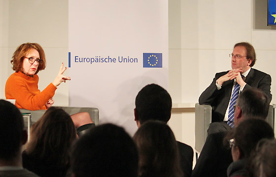 Ulrike Guérot und Benedikt Weingartner in Europa : DIALOG im Haus der EU, Wien.