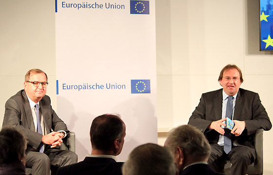 Hans-Peter Siebenhaar und Benedikt Weingartner in Europa : DIALOG