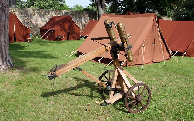 Römerlager, mit einem Geschütz