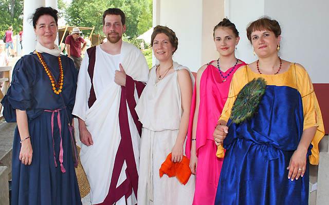 Eine Gruppe Römer am Römerfestival