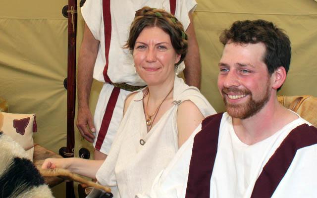 Zwei glückliche Römer: Brautpaar