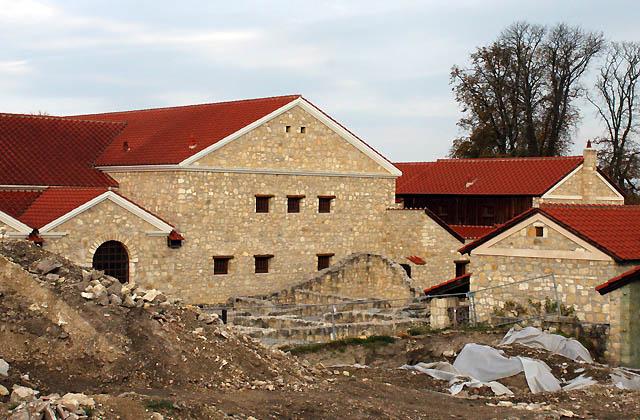 Carnuntum - Ausgrabungsstädte der Römersiedlung: Es wird gegraben ...