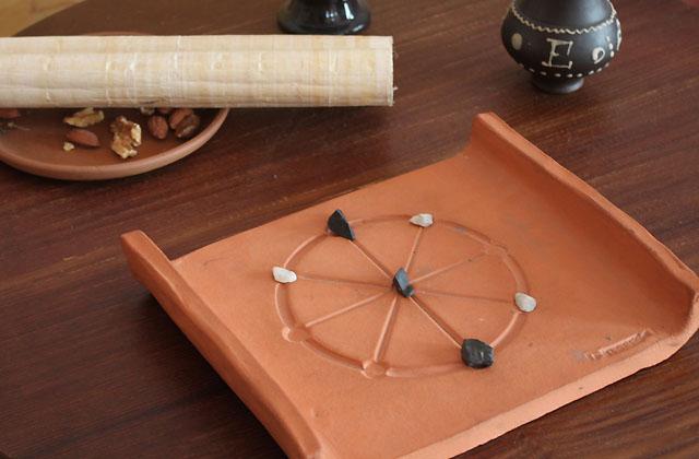 Antikes Brettspiel / Wellness auf Römisch - Lifestyle
